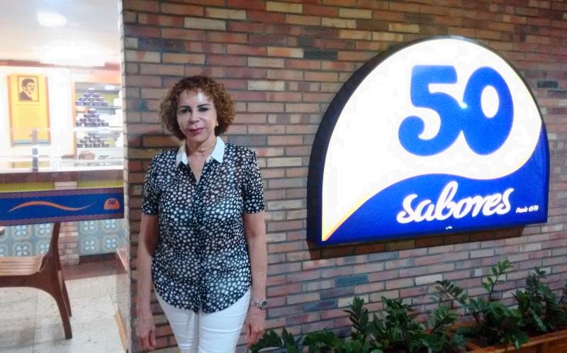Dona Neusa é responsável pela criação dos sabores da sorveteria (FOTO   Hayanne Narlla  cb404aff67