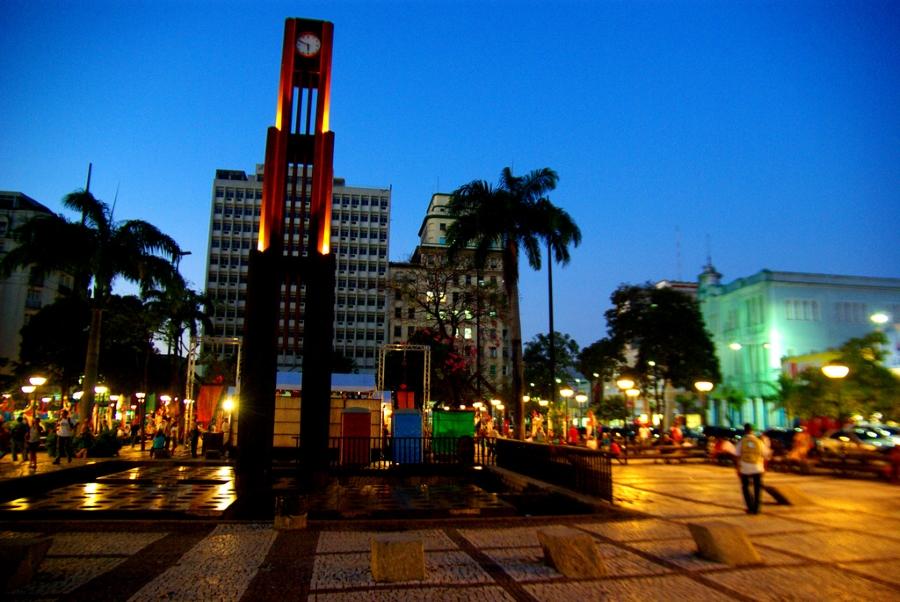 Praça do Ferreira é um dos pontos turísticos de Fortaleza. A cidade está inclusa no site 'Quanto Custa Viajar' (FOTO: Flickr/Creative Commons/Otávio Nogueira)