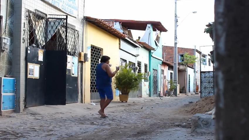A comunidade do Poço da Draga surgiu há 109 anos e tinha, a princípio, rotina baseada nas atividades portuárias e pesqueiras. (IMAGEM: Reprodução/Youtube)