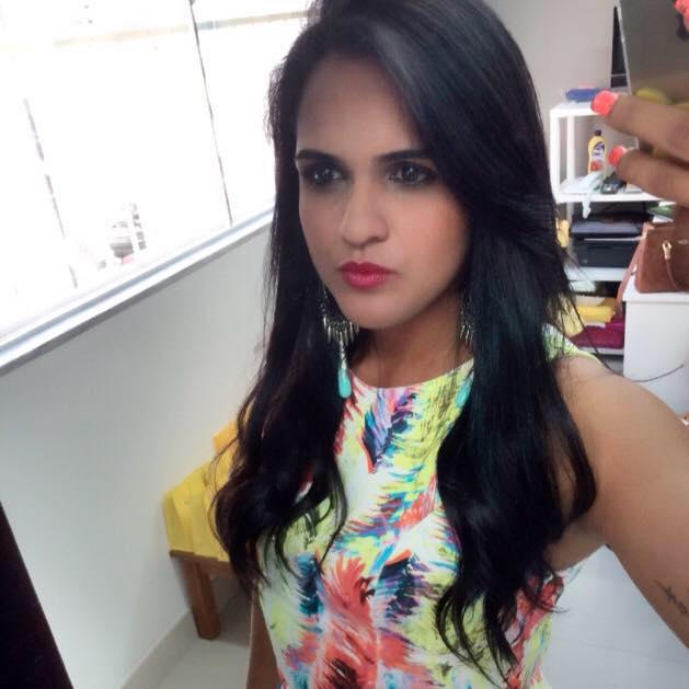 Tayná Barbosa tinha 24 anos e era estudante de Direito (FOTO: Reprodução/Facebook)