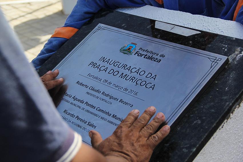 Nome da praça faz homagem à um ex-porteiro do Theatro José de Alencar, o Sr. José Cassiano (FOTO: Fernanda Moura / Tribuna do Ceará)