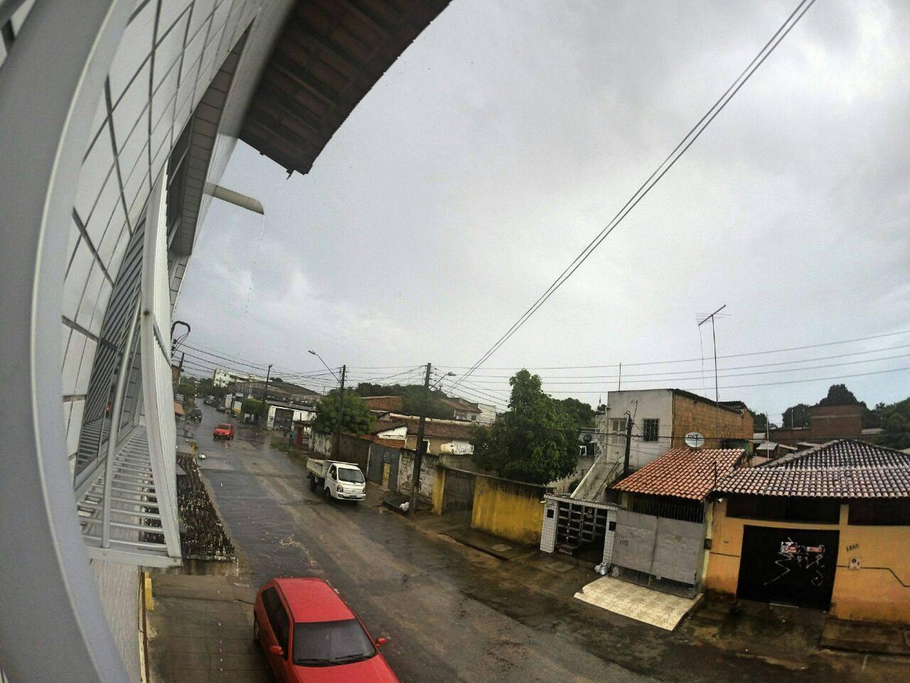 Chuva registrada no Bairro João 23. (FOTO: Abraão Magalhães)