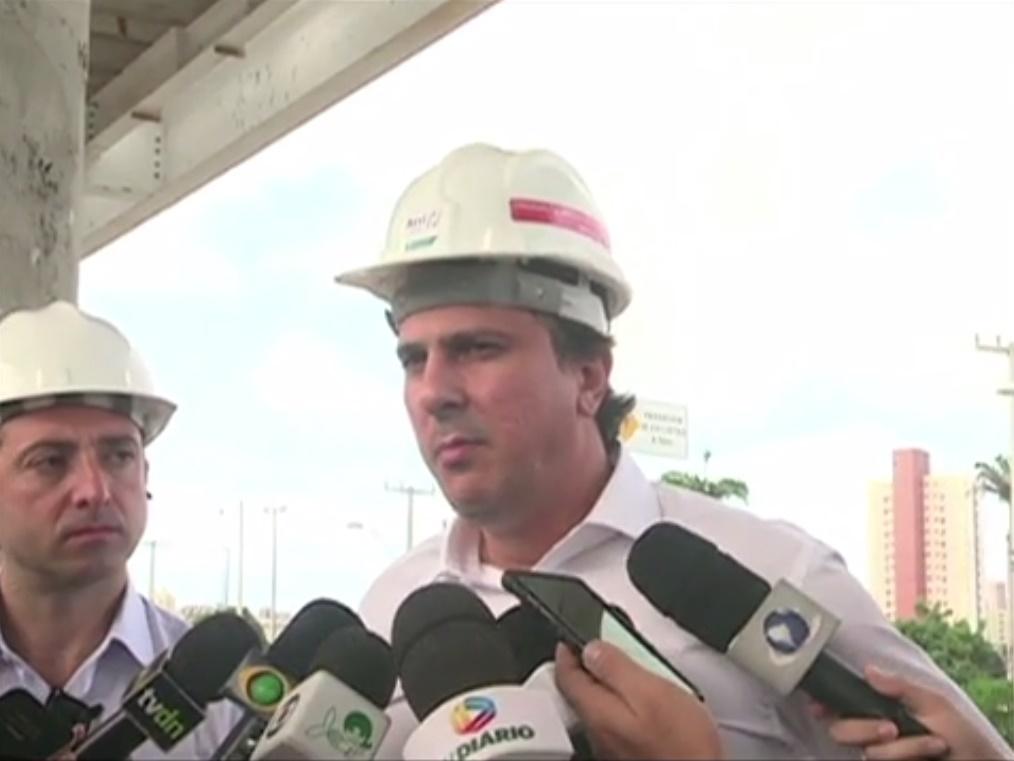 Camilo comentou sobre as denúncias envolvendo os equipamentos de comunicação das viaturas da polícia militar que estariam sucateados e sem funcionar. (FOTO: Reprodução/TV Jangadeiro)
