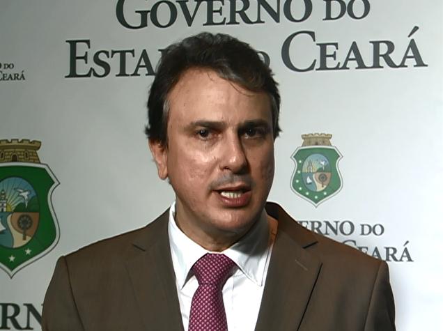 """""""Em momento de crise, pedir 40% de aumento é irracional"""", critica Camilo sobre agentes penitenciários"""
