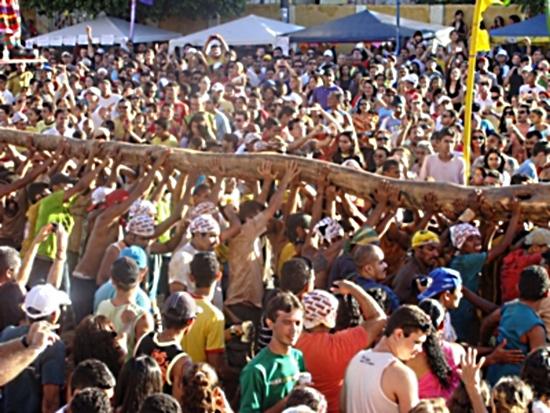 Festa do Pau da Bandeira é um dos maiores eventos religiosos do Nordeste (FOTO: Divulgação/Governo do Estado)