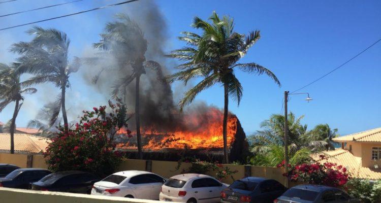 Fogo foi registrado por volta das 12h (FOTO: Whatsapp/Tribuna BandNews FM)