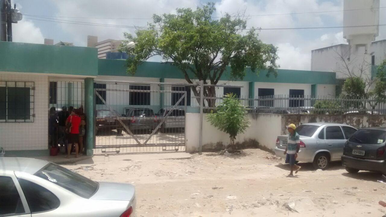 Um agente socioeducador foi feito de refém para que os internos fugissem do local (FOTO: Ilustração / Reprodução)