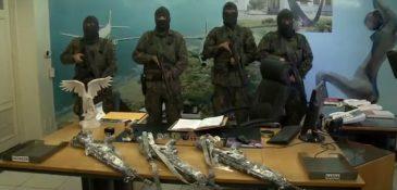 Armas foram roubadas com ajuda de soldados (FOTO: Reprodução TV Jangadeiro)