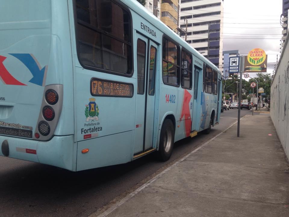 Ônibus ficaram paralisados por duas horas no centro de Fortaleza (FOTO: Ilustração/Divulgação)