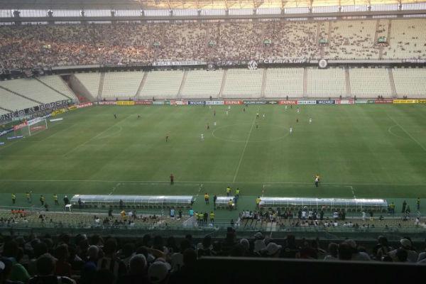 O Vovô enfrentou o Paraná neste domingo (23), na Arena Castelão, pela Série B (Foto: Lyvia Rocha/Tribuna do Ceará)