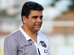 Marcelo Cabo tirou o Ceará da lanterna e segue na luta manter o Vovô na Série B (Foto: Rafael Barros/Cearasc.com)