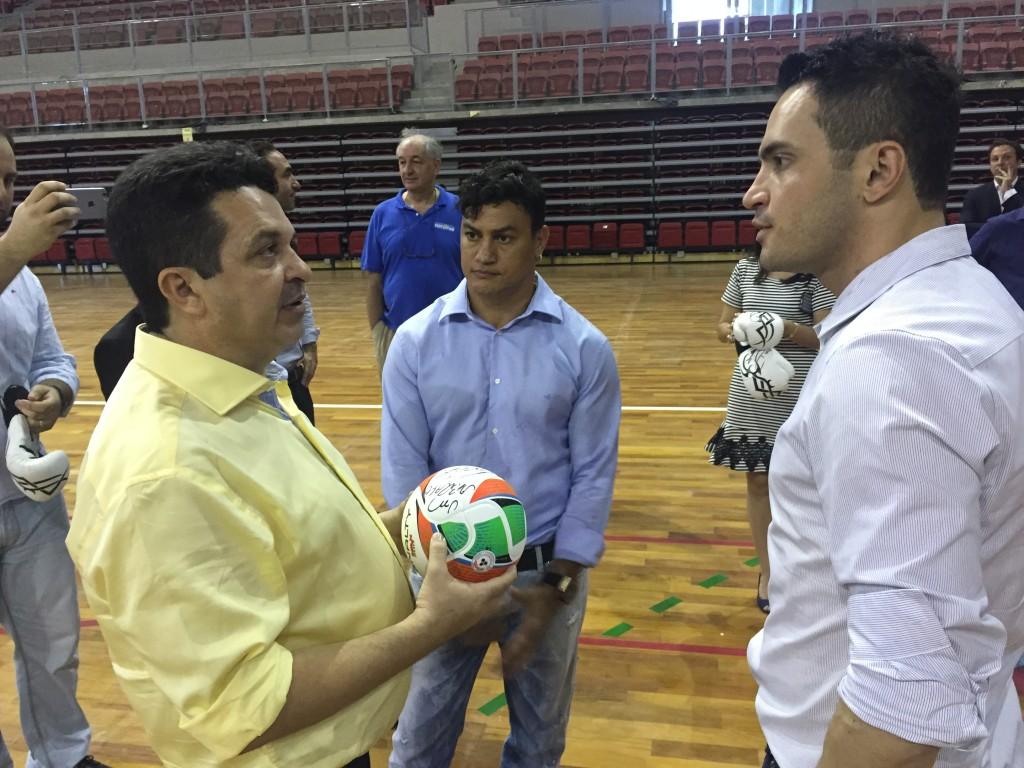 Falcão participou de um evento junto com Popó, ídolo nacional do boxe (Foto: Lucas Catrib)