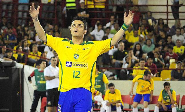 Falcão voltará a vestir a camisa 12 da seleção brasileira (Foto: divulgação/CBFS)