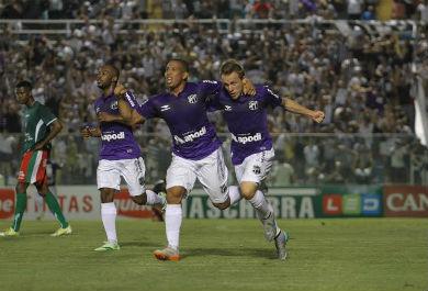 Rafael Costa e Alex Amado comemora o primeiro gol na vitória contra o Boa Esporte, partida realizada no PV (Foto:Christian Alekson / cearasc.com)
