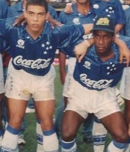 Cleisson ganhou destaque no Cruzeiro, time onde jogou junto com Ronaldo Fenômeno (Foto: Arquivo pessoal)
