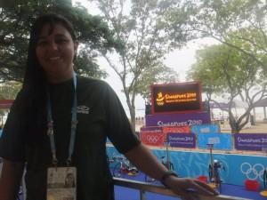 Tércia Figueiredo participou como técnica na I Olimpíadas da Juventude, em Singapura (Foto: Divulgação)