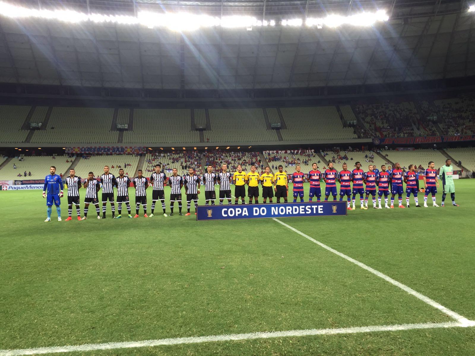 Fortaleza e Botafogo-PB empataram em 1 a 1, em jogo que teve início com 15 minutos de atraso (Foto: Lucas Catrib)