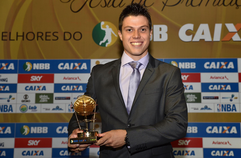 Davi foi eleito o melhor armador da temporada 2016 (FOTO: joão Pires/LNB)