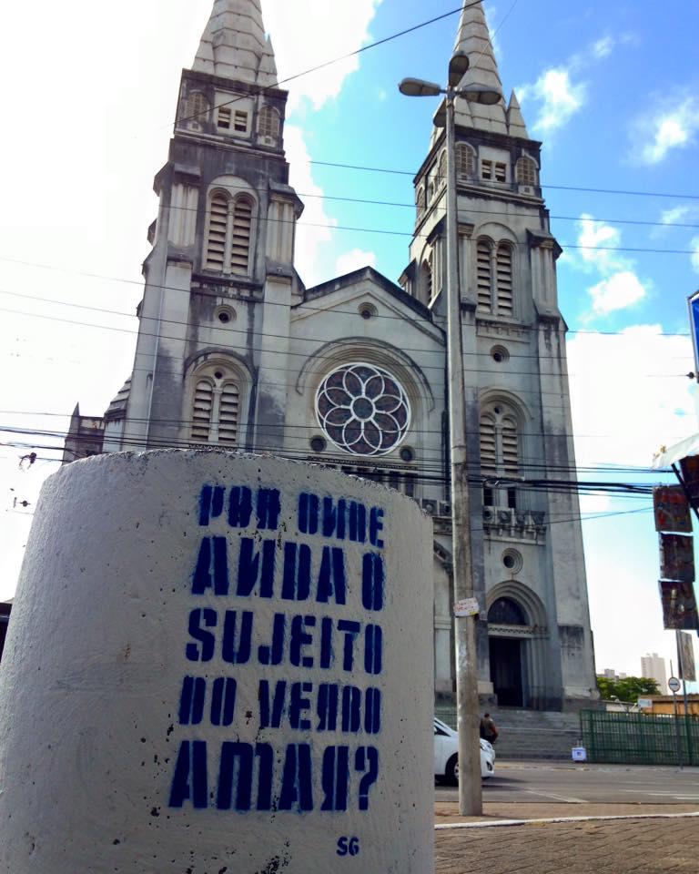 PROJETO #BEIJONACIDADE ESPALHA MENSAGENS POR FORTALEZA