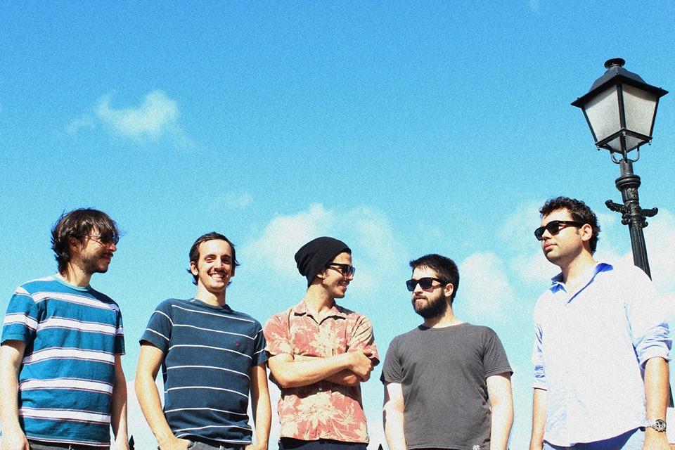 O instrumental da banda Astronauta Marinho faz parte da nova safra de música cearense, mais eclética que nunca (FOTO: Tiago Alves Oliveira)