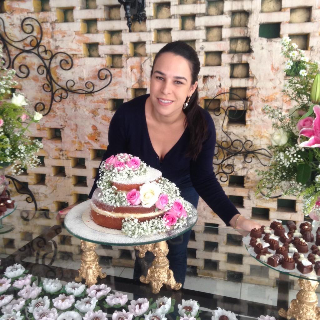 """Os bolos da Gis, os """"fofinhos"""", são feitos artesanalmente pela boleira, que recebe pedidos pelo WhatsApp (FOTO: Arquivo pessoal)"""