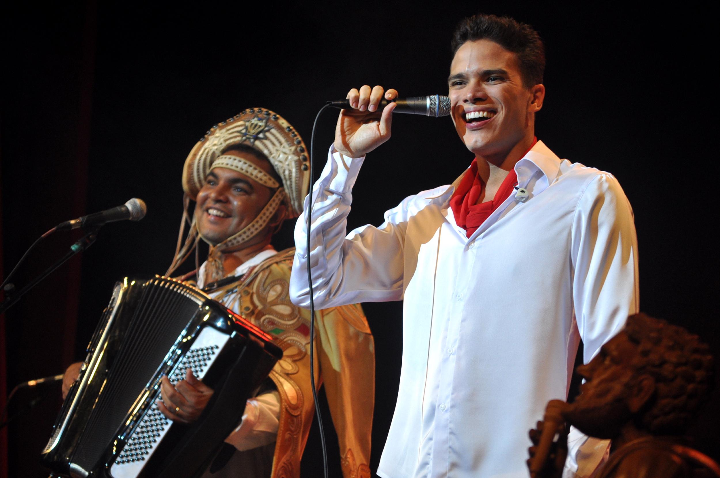 Marcos Lessa (à esquerda) e Chambinho se apresentarão a partir das 18h (FOTO: Divulgação)