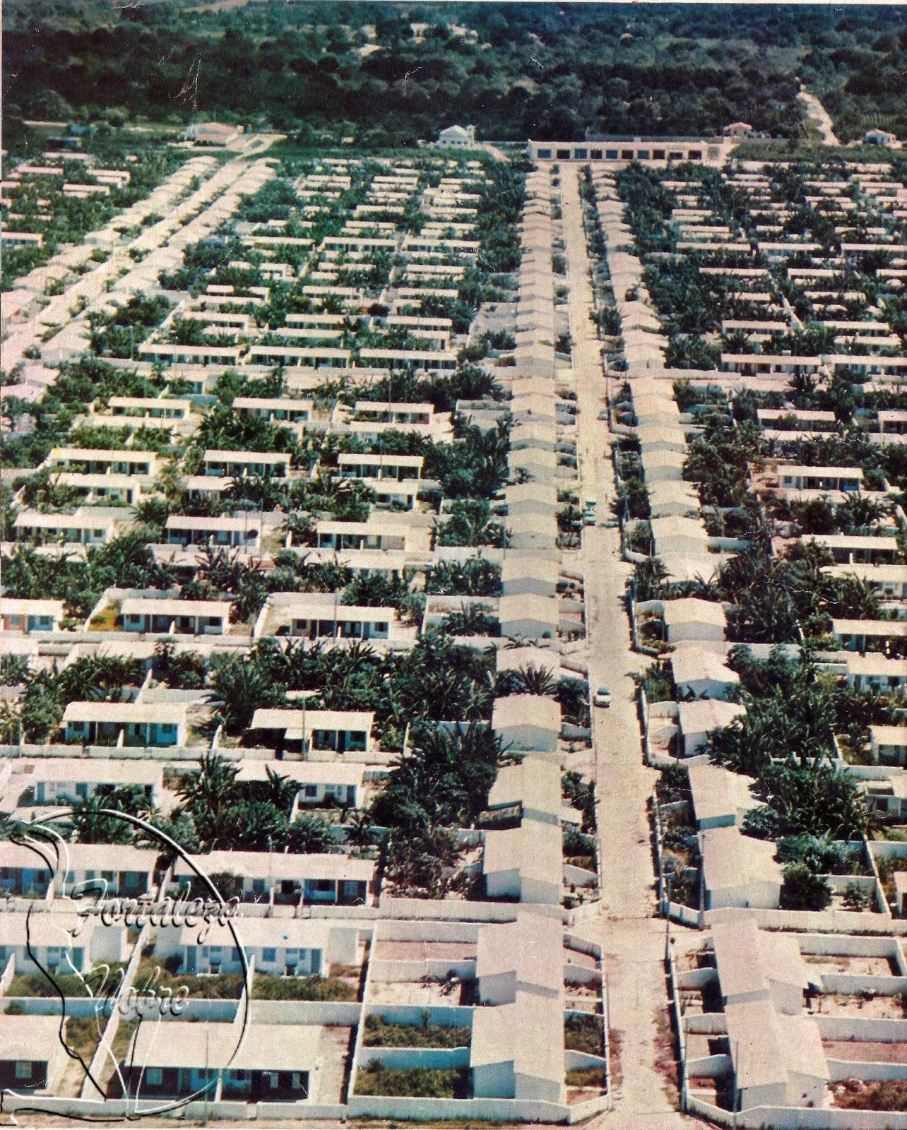 O primeiro conjunto habitacional da cidade foi projetado pelo arquiteto Marrocos Aragão, que se baseou no modelo de cidade planejada (FOTO: Alex Mendes/ Fortaleza Nobre)