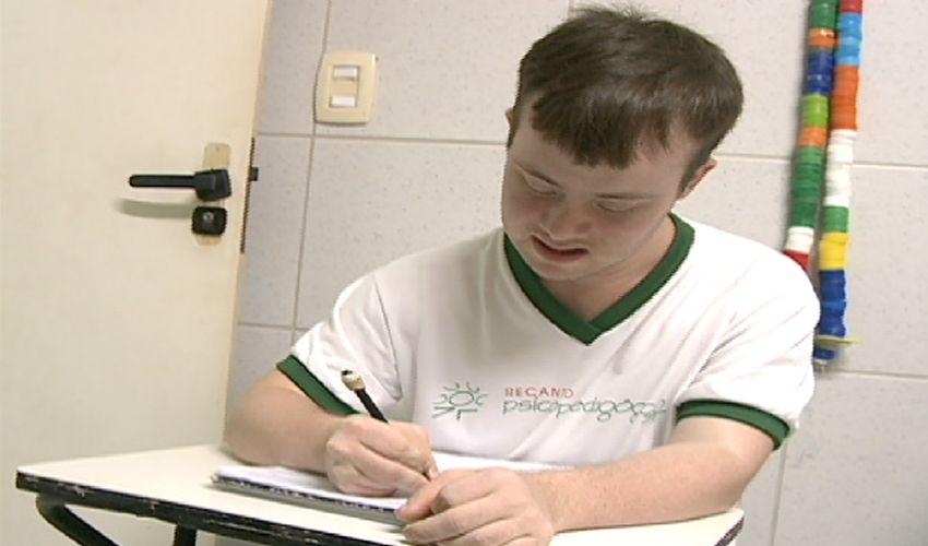 Recanto psicopedagógico: há 40 anos ajudando pessoas deficientes (FOTO: Reprodução TV Jangadeiro)